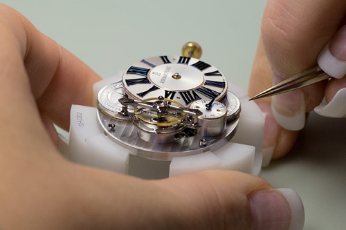 Assembling a calibre 2905 wit AP escapement and deadbeat seconds at Audemars Piguet
